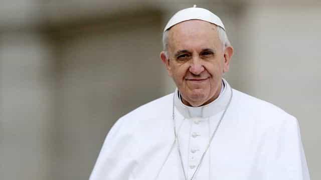 No más adicción al cigarro: Papa Francisco